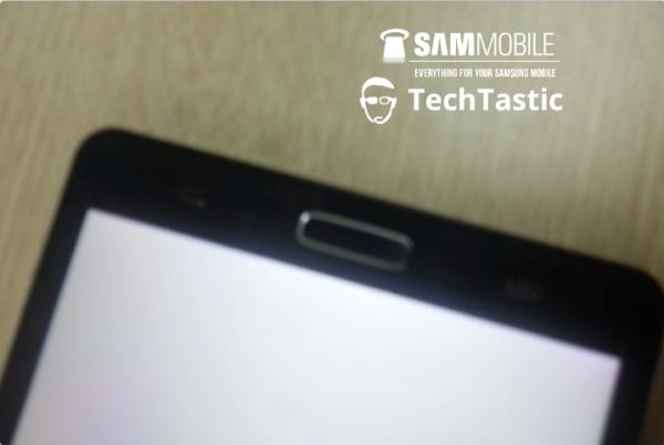 Samsung Galaxy Note III. Prima poza a unui prototip a aparut pe Internet. Ce se cunoaste despre telefon