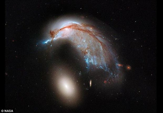 Imagini in premiera surprinse de telescopul Hubble. NASA:  Se afla la o distanta de peste 320 de milioane de ani lumina de noi