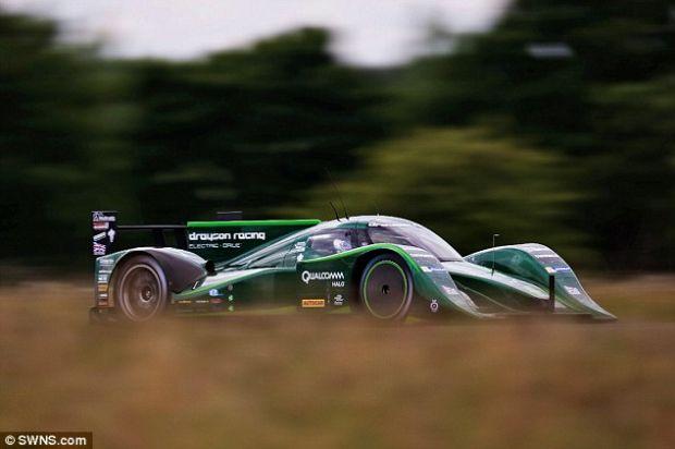 Automobilele electrice prind viteza: noul record este de 328 de km/h