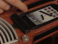 Instrumentul polivalent se transforma din chitara in pian sau vioara la o simpla atingere de buton