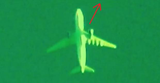 Fenomen SF. Un obiect dubios a zburat in apropierea unui avion de pasageri VIDEO