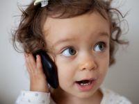 I-a lasat copilului de un an un smartphone pentru cateva minute. Ce s-a intamplat, intrece orice imaginatie