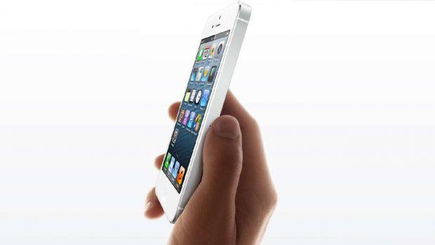 Apple va investiga moartea unei femei care s-ar fi electrocutat cu un iPhone 5