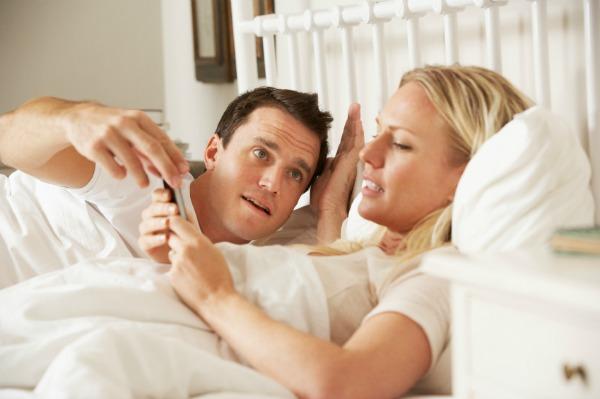 1 din 10 americani foloseste smartphone-ul in timp ce face sex
