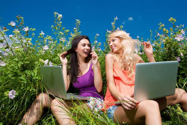 Te-ai saturat de Facebook? Retelele de socializare pe care trebuie sa le incerci