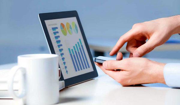 Tabletele si telefoanele, mai ieftine si cu 40% decat anul trecut. Care sunt preturile