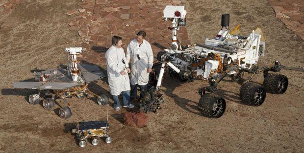Asa arata un an pe planeta Marte! 12 luni surprinse de camerele roverului Curiosity