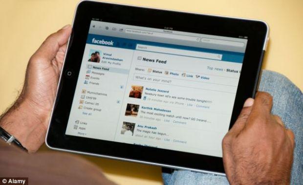 Peste 80% din utilizatorii de Facebook acceseaza contul de pe smartphone-uri si tablete