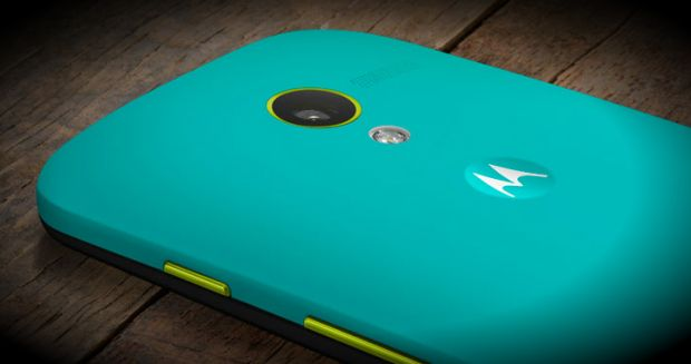 Moto X, telefonul pe care ti-l personalizezi. Poti scrie pe spate numele tau. VIDEO