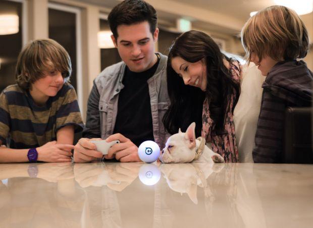 Mingea inteligenta si tastatura laser au ajuns in studioul iLikeIT. VIDEO