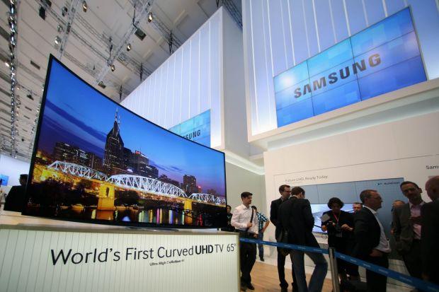 Samsung prezinta la IFA primul televizor Ultra HD curbat din lume