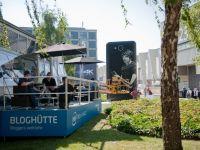 Cel mai mare smartphone din lume, expus la IFA Berlin. Are 6 metri inaltime