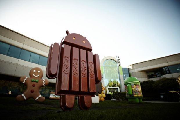 Un telefon misterios apare in filmuletul de prezentare a statuetei Android 4.4 KitKat. VIDEO