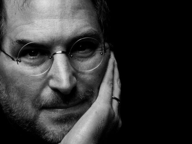 Se implinesc 2 ani de la moartea lui Steve Jobs. Vezi secretele incredibile din culisele prezentarii primului iPhone!
