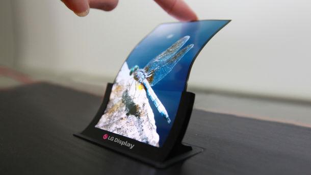 Telefonul cu ecran curbat, anuntat de LG. GALERIE FOTO. Cand va fi pe piata