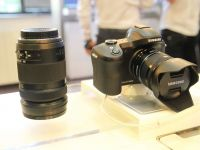 Samsung GALAXY NX, prima camera mirrorless cu 4G si Android s-a lansat in Romania