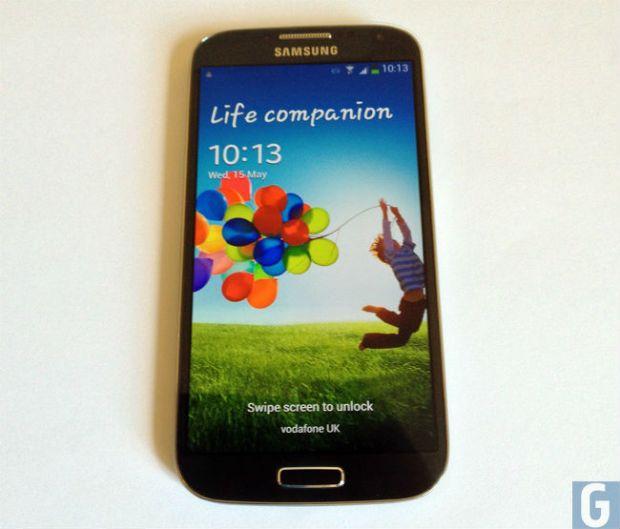 Anuntul facut de Samsung despre bateria de la Galaxy S4. Unul din trei utilizatori a patit asta