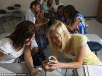 Telefonul afecteaza notele studentilor in proportie de 80%