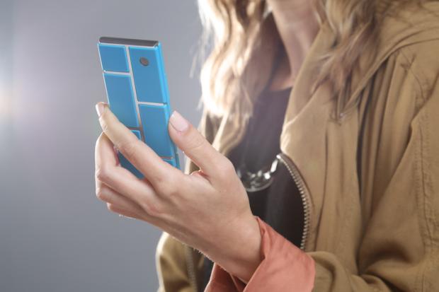Telefonul din bucati. Motorola te ajuta sa iti construiesti singur un smartphone. VIDEO