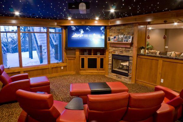 Black Friday 2013. Sisteme home cinema ieftinite in vinerea neagra