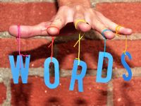 Cele mai folosite cuvinte din acest an au legatura cu tehnologia