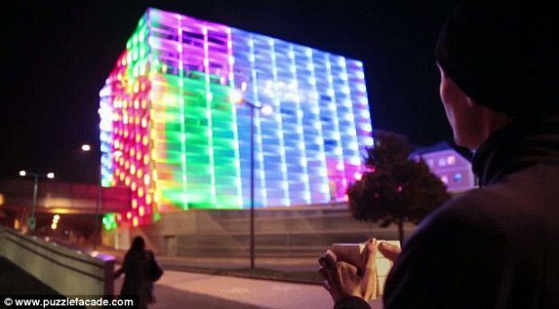 Cel mai mare Cub al lui Rubik poate fi  rezolvat  in Linz, Austria VIDEO