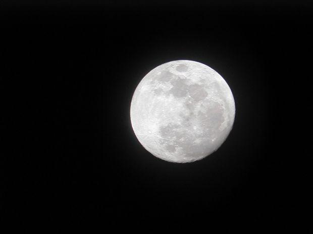 Am zis o data pe luna...  China a devenit a treia tara din istorie care ajunge pe Luna