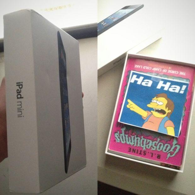 I-a facut cadou fratelui mai mic un iPad Mini. Ce a gasit cand a deschis cutia