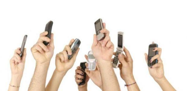 Paradoxul pietei smartphone-urilor. Nu e inghesuiala la modelele de top