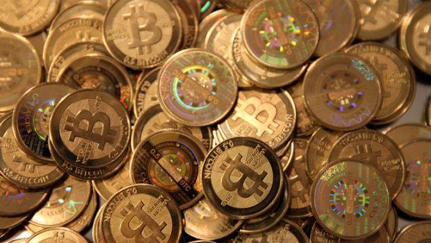 Un tanar din Oradea a lansat prima platforma din Romania de tranzactionare a monedei Bitcoin