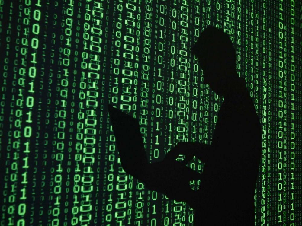 Hackerul Guccifer a fost prins. E cel care a spart contul de mail al sefului SRI George Maior