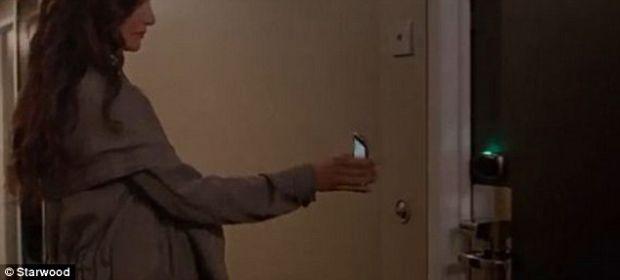 Cazare si acces in camera doar cu smartphone-ul. Da, este posibil