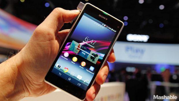 iLikeIT. Cine castiga batalia telefoanelor mini? Xperia Z1 Compact, in premiera in Romania