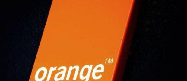 Atac asupra clientilor Orange. 800.000 de persoane s-au trezit cu datele personale furate