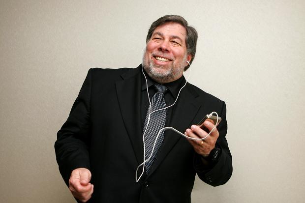 Apple ar trebui sa faca un telefon cu Android . Declaratia lui Steve Wozniak incinge spiritele