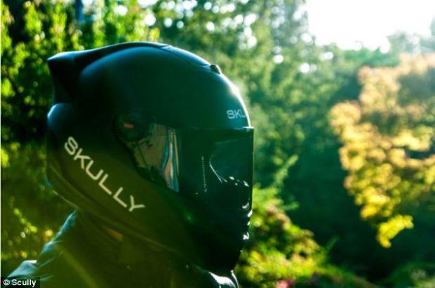 Motociclistii merita mai multa siguranta. Tocmai de aceea s-a inventat casca inteligenta