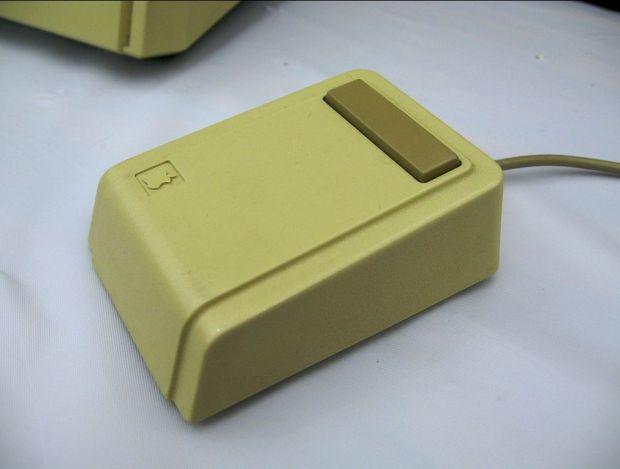 Capsula pierduta a lui Steve Jobs a fost gasita dupa 30 de ani. Ce era inauntru VIDEO