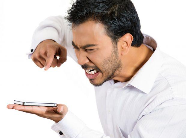 Bateria telefonului ti se termina prea repede? Poti sa o salvezi cu fiecare incarcare!