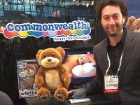 WikiBear, ursuletul de plus care raspunde la intrebari si pe poate contecta la Internet pentru chat VIDEO