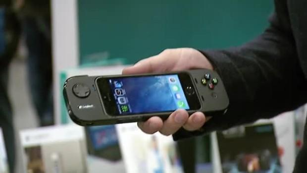 Cum arata accesoriul care iti transforma smartphone-ul in consola de jocuri