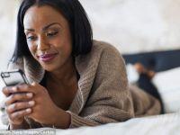 O treime din utilizatorii de Internet au avut discutii amoroase online cu persoane pe care nu le cunosteau