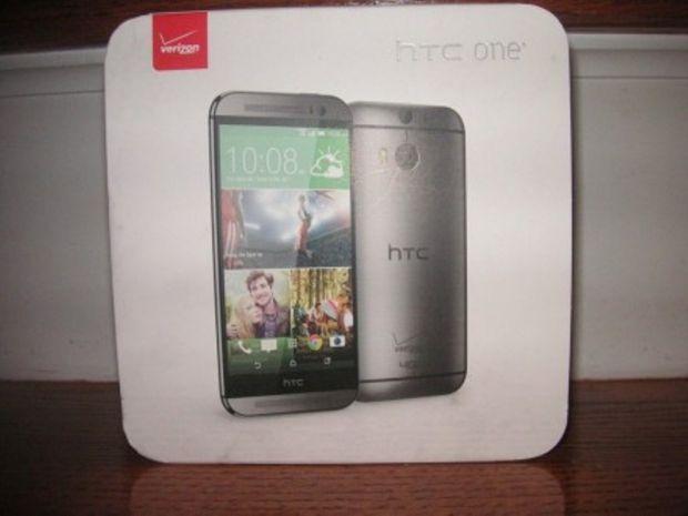 Cum a ajuns noul HTC One sa se vanda pe eBay desi un a fost inca lansat. FOTO