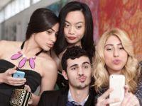 Sfaturi pentru cele mai bune selfie-uri. Ce sa faci si ce sa nu faci atunci cand te pozezi singur
