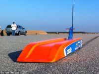 Cea mai tare jucarie: masina radiocomandata care poate depasi 300 de km/h