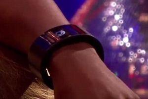 Chiar si artistii lanseaza smartwatch-uri
