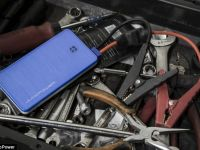 Bateria de telefon care poate ajuta chiar si la pornirea unei masini VIDEO