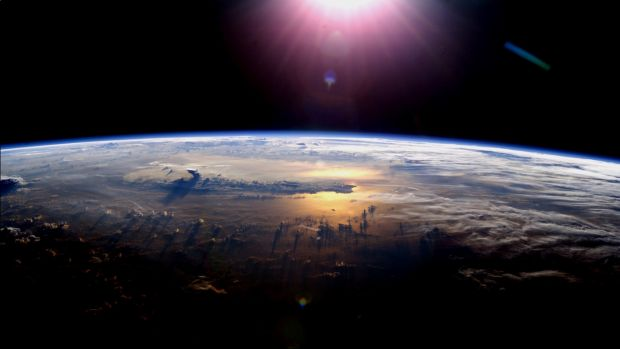 Prima postare pe Vine facuta din Cosmos. Ocolul Pamantului in 6 secunde