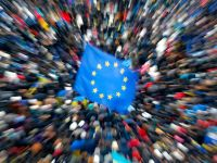 Scad puternic tarifele la roaming in UE. Cat vei plati daca vorbesti la telefon din strainatate