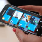 Samsung Galaxy S5 a rulat videoclipuri timp de 15 ore si 18 minute , potrivit cnet. Telefonul are si un mod special de economisire a bateriei.