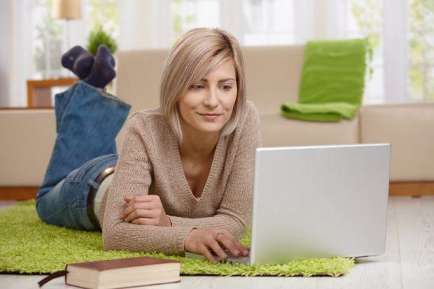 7 greseli care iti pot distruge laptopul. Aproape toata lumea le face